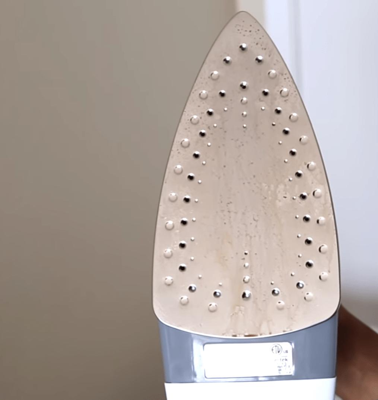 Pulizia Ferro Da Stiro come pulire la piastra del ferro da stiro incrostata | localjob